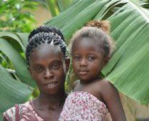 Maïmouna et sa fille